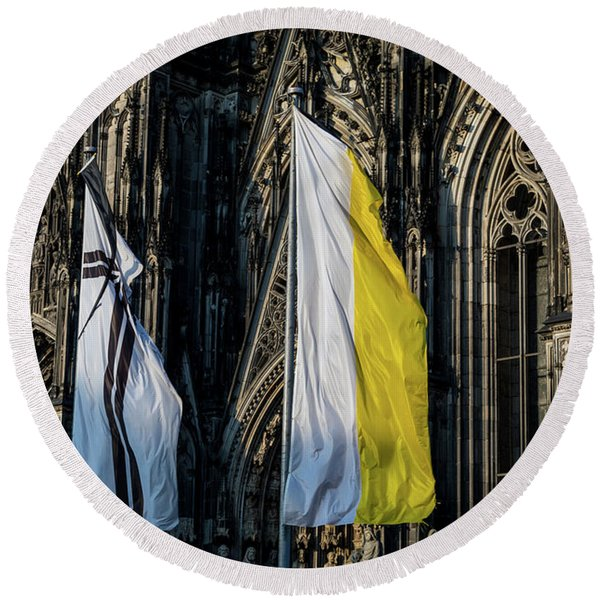 Cologne Cathedral Flags Round Beach Towel