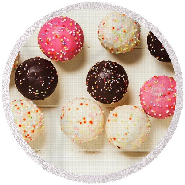 Colourful Cupcakes Round Beach Towel