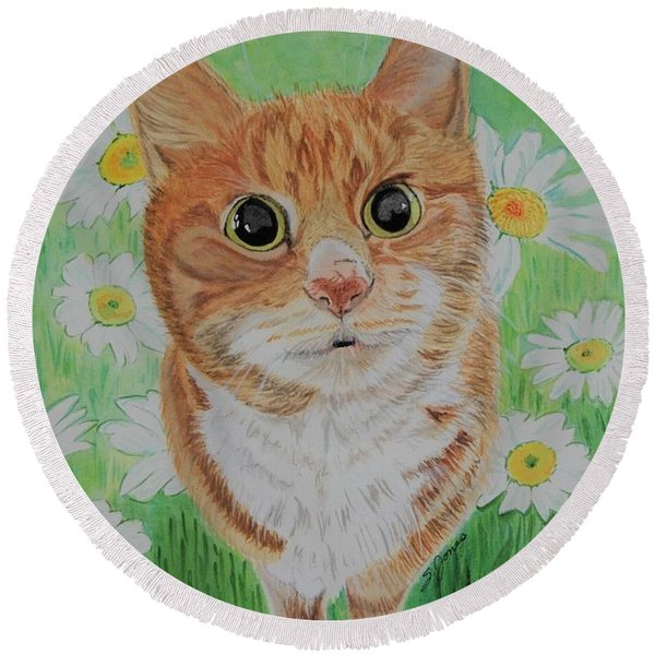 Coming Up Daisies Round Beach Towel