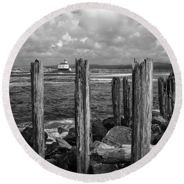 Coquille Lighthouse Round Beach Towel