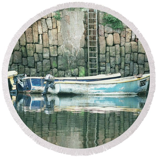 Crail Harbour Round Beach Towel