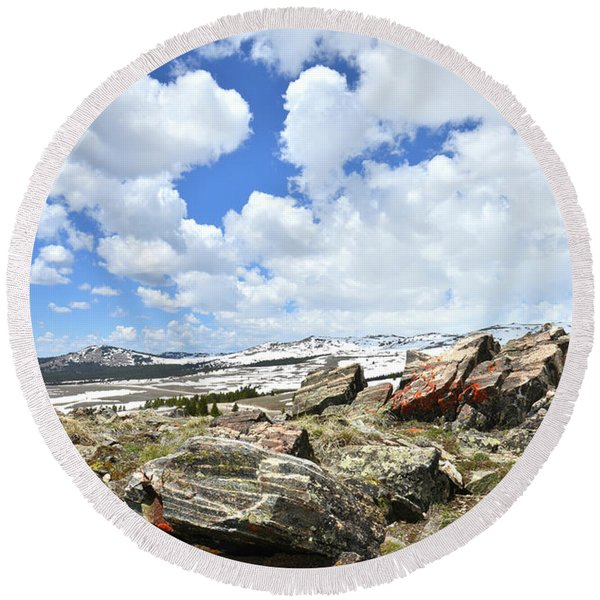 Crest Of Big Horn Pass In Wyoming Round Beach Towel