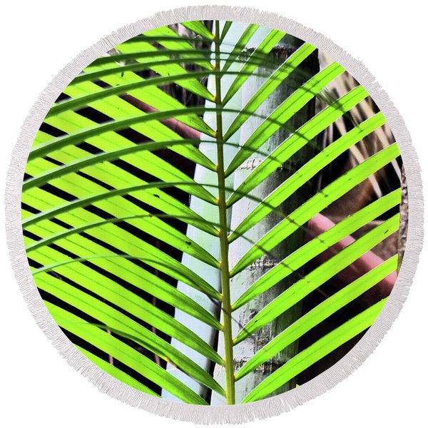 Crisscrossing Palms Round Beach Towel