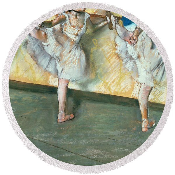 Dancers At The Bar Round Beach Towel