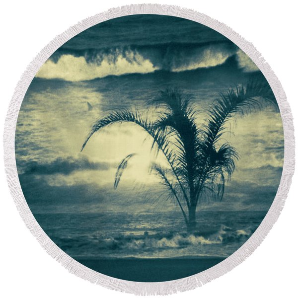 Round Beach Towel featuring the photograph Daydream by Gerlinde Keating - Galleria GK Keating Associates Inc
