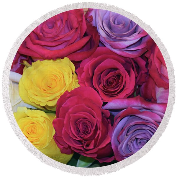 Decorative Wallart Brilliant Roses Photo B41217 Round Beach Towel