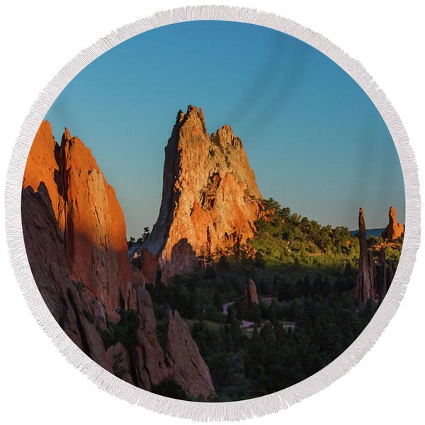 Round Beach Towel featuring the photograph Deep Sunset At Garden Of The Gods by Lon Dittrick