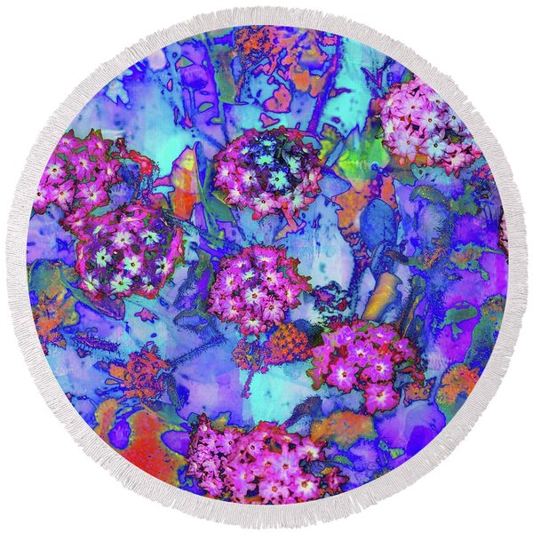 Round Beach Towel featuring the photograph Desert Vibe Bloom by Michael Hope