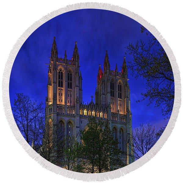 Digital Liquid - Washington National Cathedral After Sunset Round Beach Towel