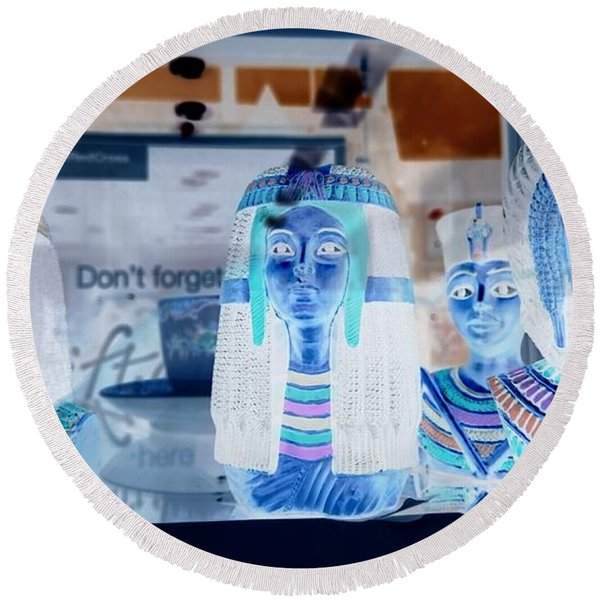 Egyptian Statues Round Beach Towel
