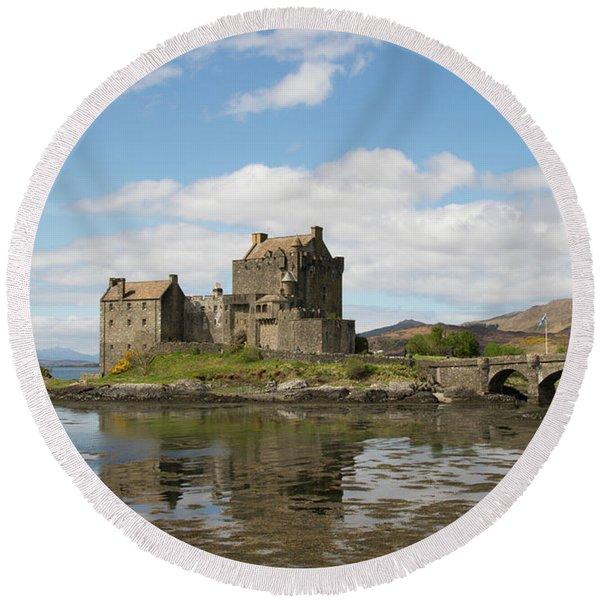 Eilean Donan Castle - Scotland Round Beach Towel