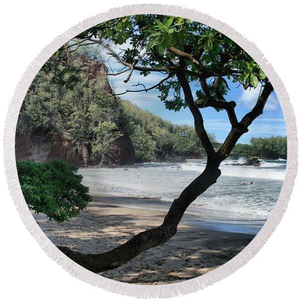 Enchanted Rocks Koki Beach Haneoo Hana Maui Hawaii Round Beach Towel