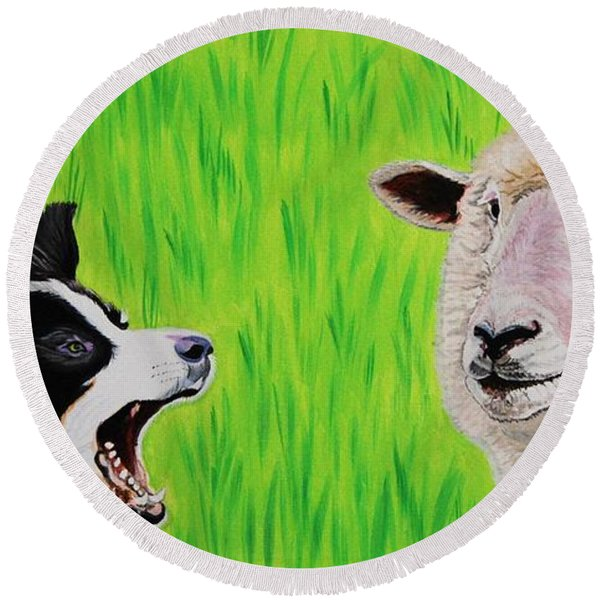Ewe Talk'in To Me? Round Beach Towel
