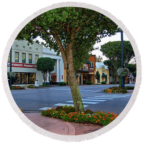 Fairhope Ave With Clock Round Beach Towel
