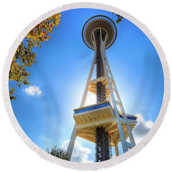 Fall Day At The Space Needle Round Beach Towel