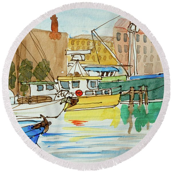 Fishing Boats In Hobart's Victoria Dock Round Beach Towel