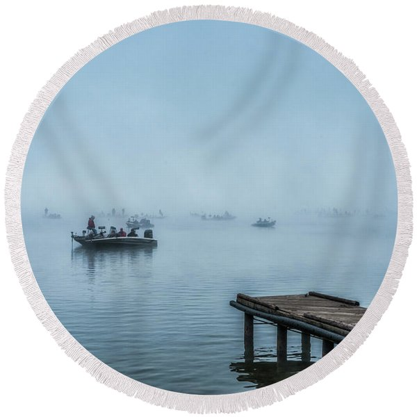 Fishing In The Fog Summersville Lake  Round Beach Towel
