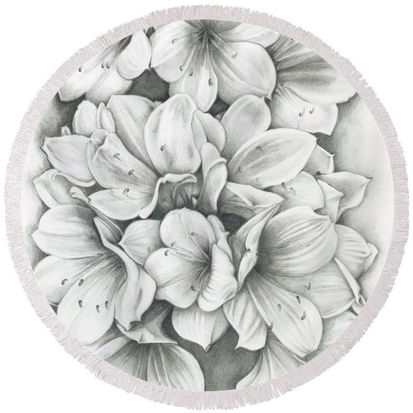 Clivia Flowers Pencil Round Beach Towel