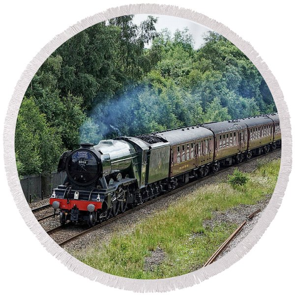 Flying Scotsman Approaching Chesterfield Round Beach Towel