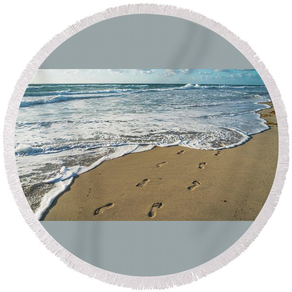 Footprints In The Sand Delray Beach Florida Round Beach Towel