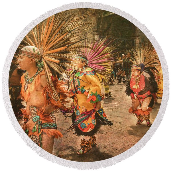 Four Indian Dancers Round Beach Towel