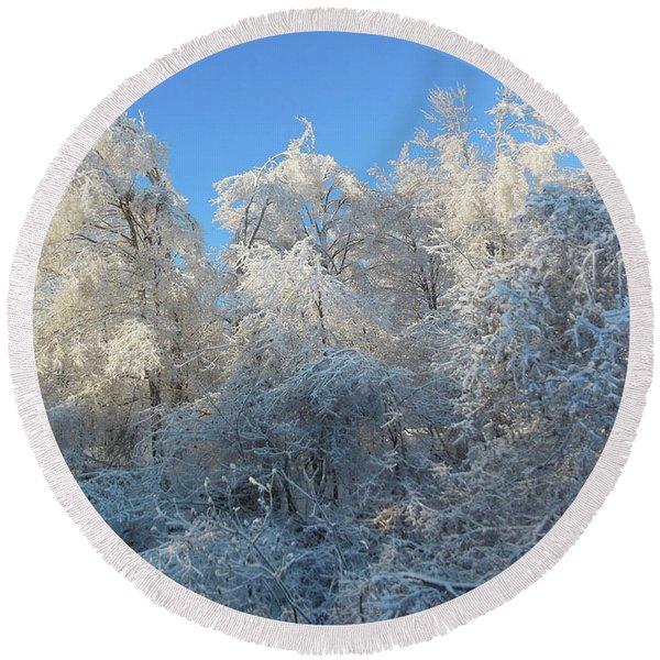 Frosty Trees Round Beach Towel