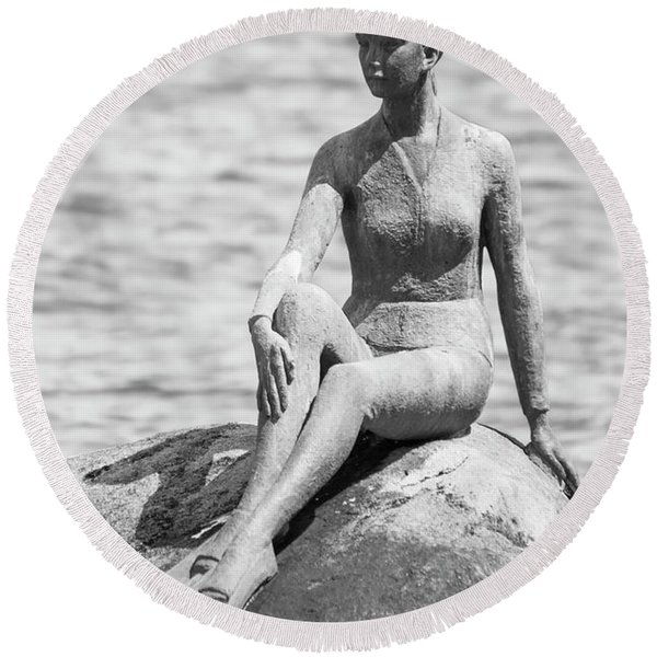 Girl In A Wetsuit Round Beach Towel