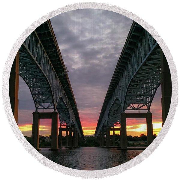 Gold Star Bridge Sunset 2016 Round Beach Towel
