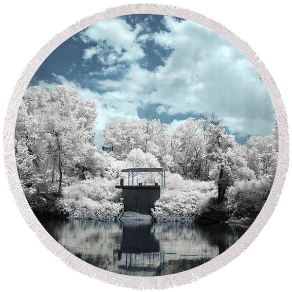Green River Ir Round Beach Towel