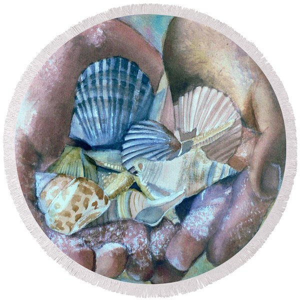 Hands With Shells Round Beach Towel