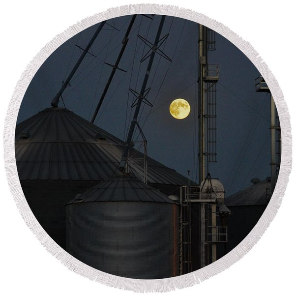 Round Beach Towel featuring the photograph Harvest Moon by Carl Young