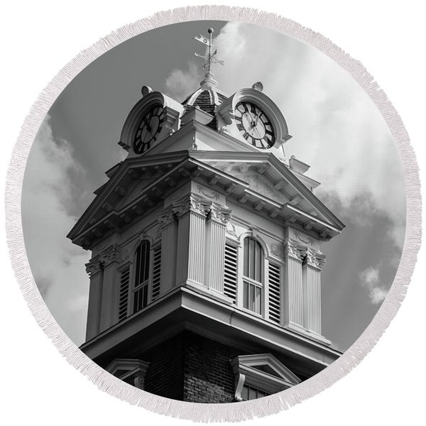 Historic Courthouse Steeple In Bw Round Beach Towel