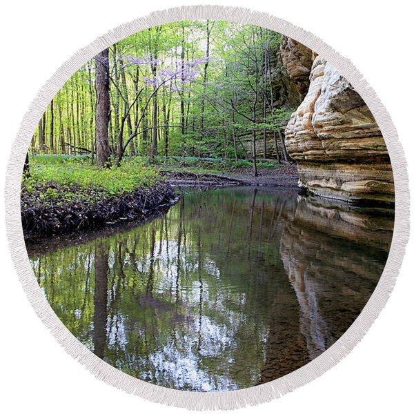 Illinois Canyon In Spring Starved Rock State Park Round Beach Towel