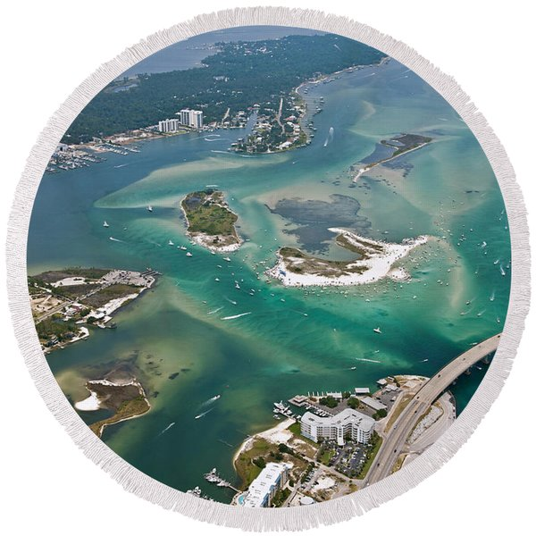 Islands Of Perdido - Not Labeled Round Beach Towel