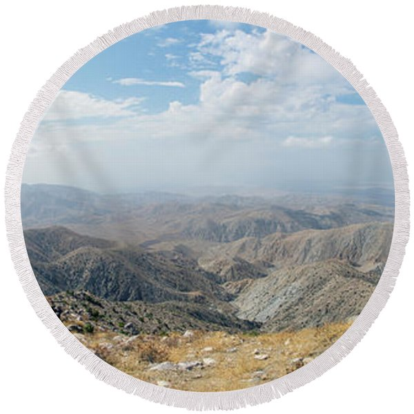 Keys View In Joshua Tree National Park Round Beach Towel