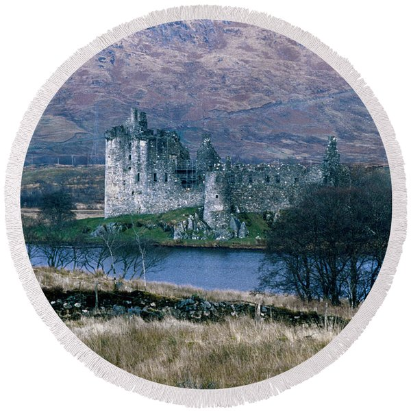 Kilchurn Castle, Scotland Round Beach Towel
