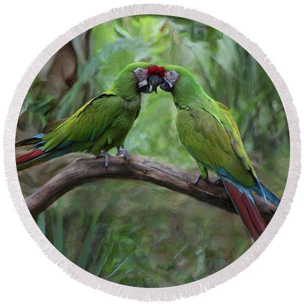 Kissing Macaws Round Beach Towel