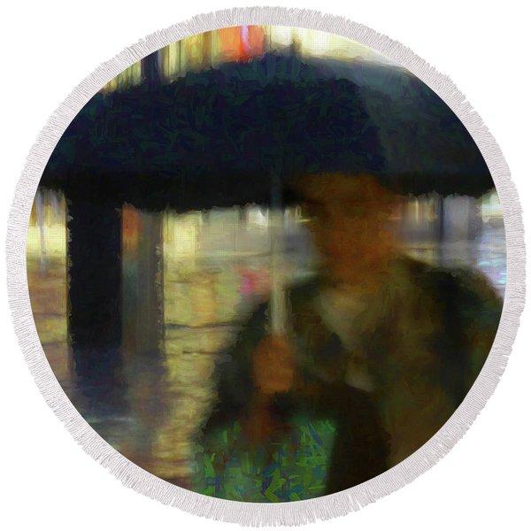 Lady With Umbrella Round Beach Towel