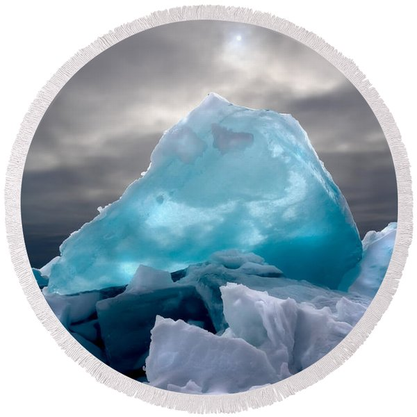 Lake Ice Berg Round Beach Towel