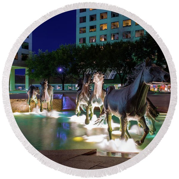 Las Colinas Mustangs 72016 Round Beach Towel
