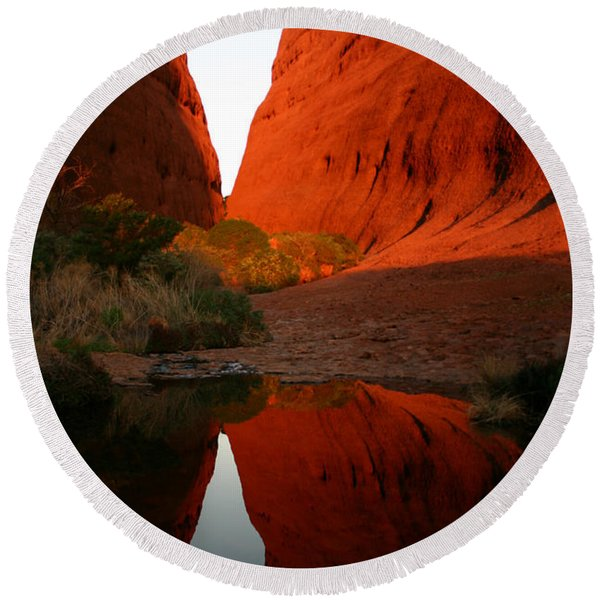 Late Afternoon Light And Reflections At Kata Tjuta In The Northern Territory Round Beach Towel