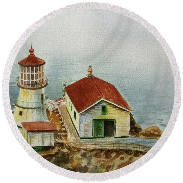 Lighthouse Point Reyes California Round Beach Towel