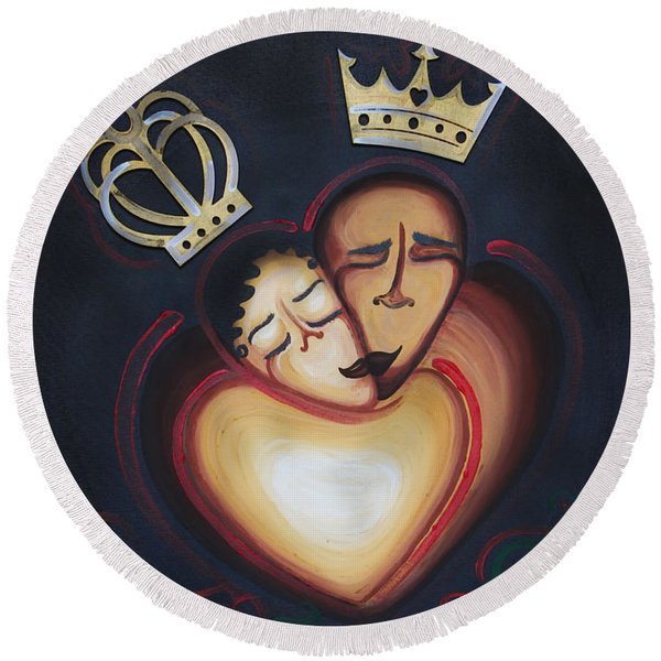 Lovers Embrace Round Beach Towel