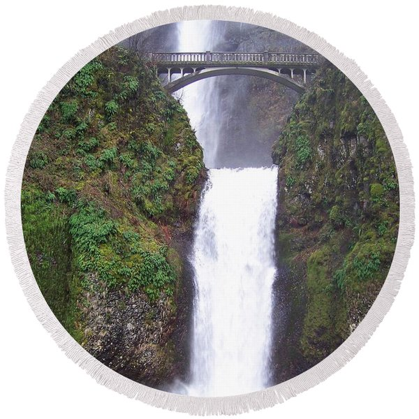 Lower Multnomah Falls Round Beach Towel