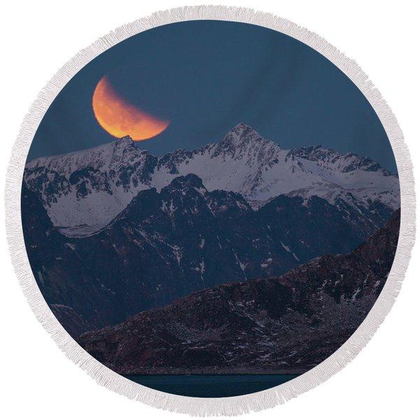 Lunar Eclipse In Lofoten Round Beach Towel