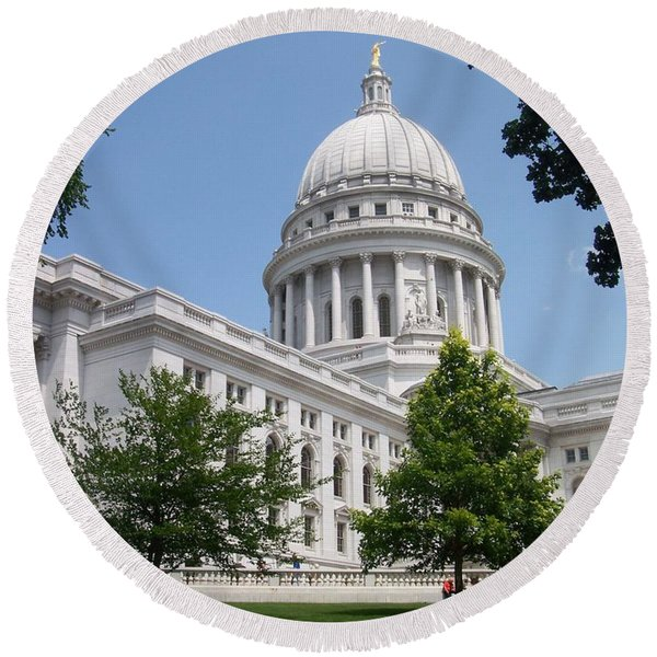 Madison Wi State Capitol Round Beach Towel