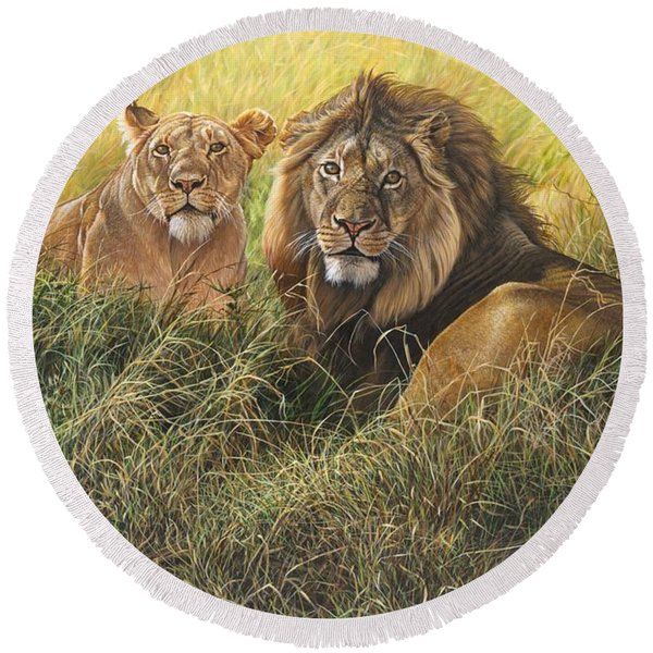 Male And Female Lion Round Beach Towel