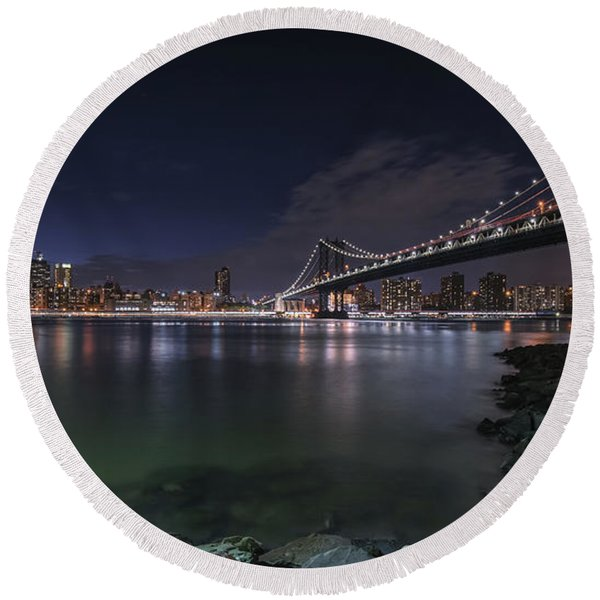 Manhattan Bridge Twinkles At Night Round Beach Towel