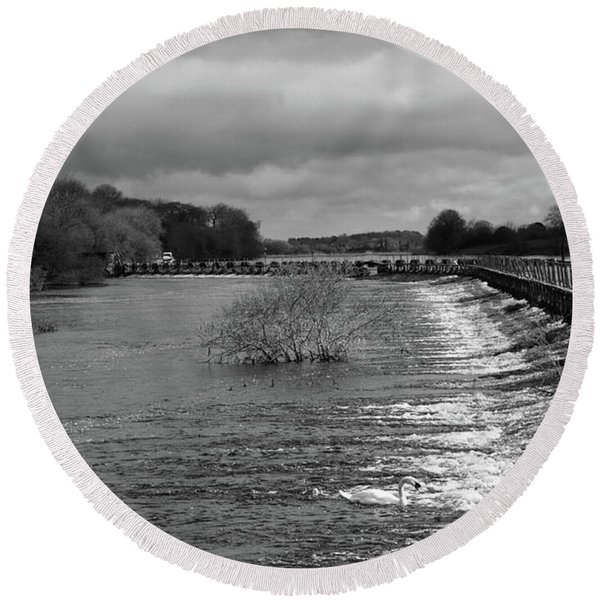Meelick Weir Round Beach Towel