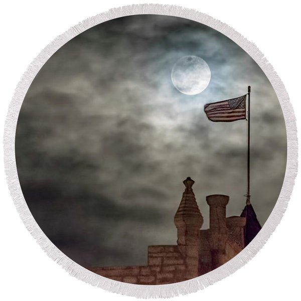 Moon Over The Bank Round Beach Towel